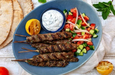 http://johnsonville.ca/fr/recipes/Mediterranean-Kebabs.html