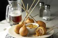 http://johnsonville.ca/fr/recipes/italian-sausage-lollipops.html